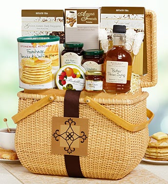 Breakfast Hamper featuring Stonewall Kitchen�