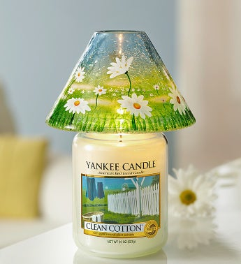 Clean Cotton Yankee Candle� with Daisy Shade